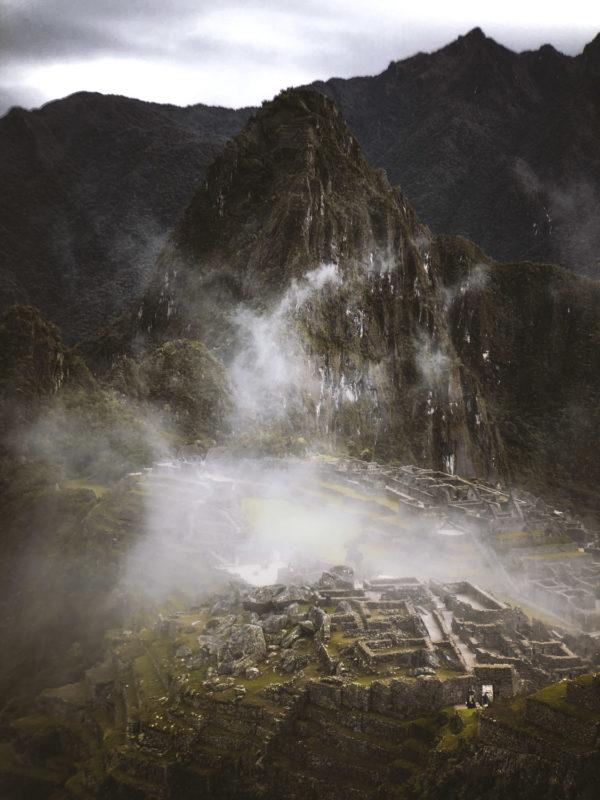 Here I used the Pro Portrait Tele in trying to emphasize the mystic fog hovering over Machu Picchu.